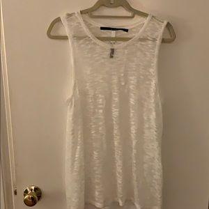 Kenzie sleeveless sweater white size large